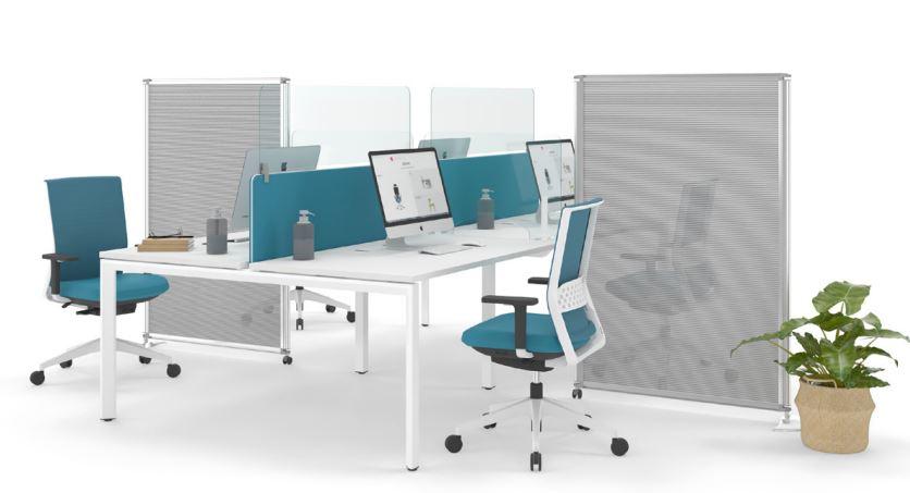 Mesa Vital Plus, silla Stay, mamparas y divisorias de Actiu